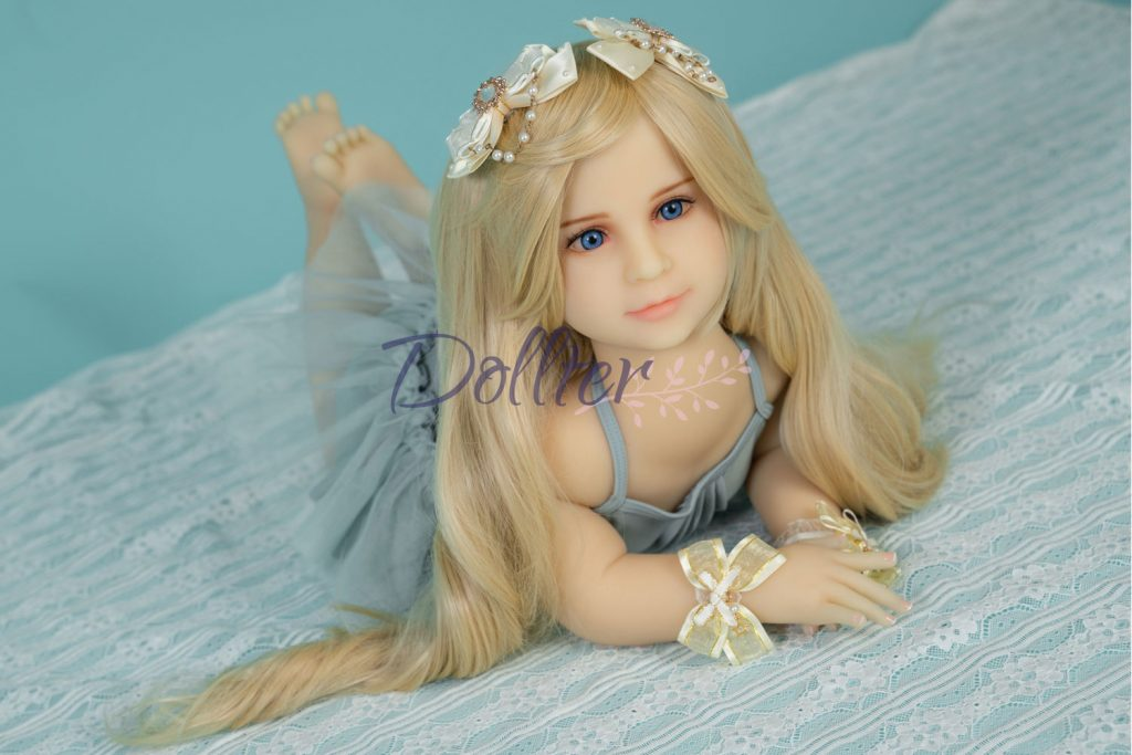 dollter-chubby-blonde (1)