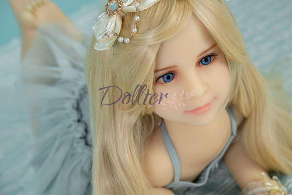 dollter-chubby-blonde (3)