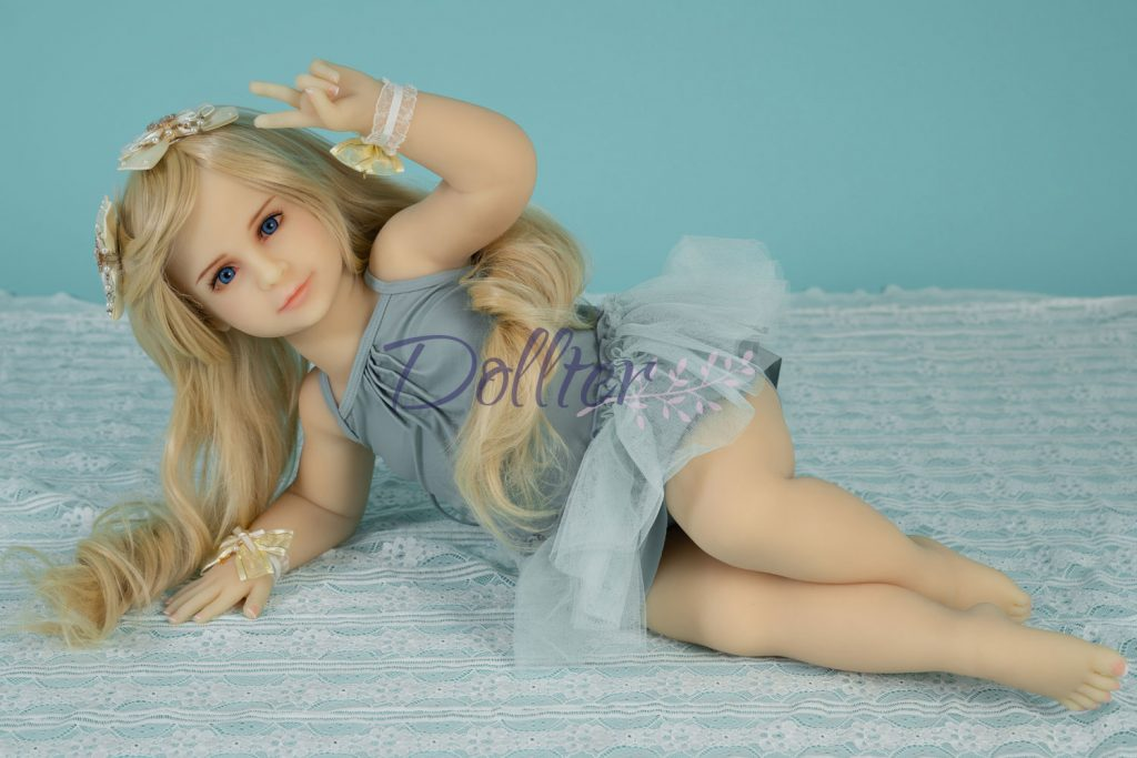 dollter-chubby-blonde (6)