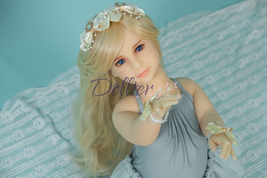 dollter-chubby-blonde (8)